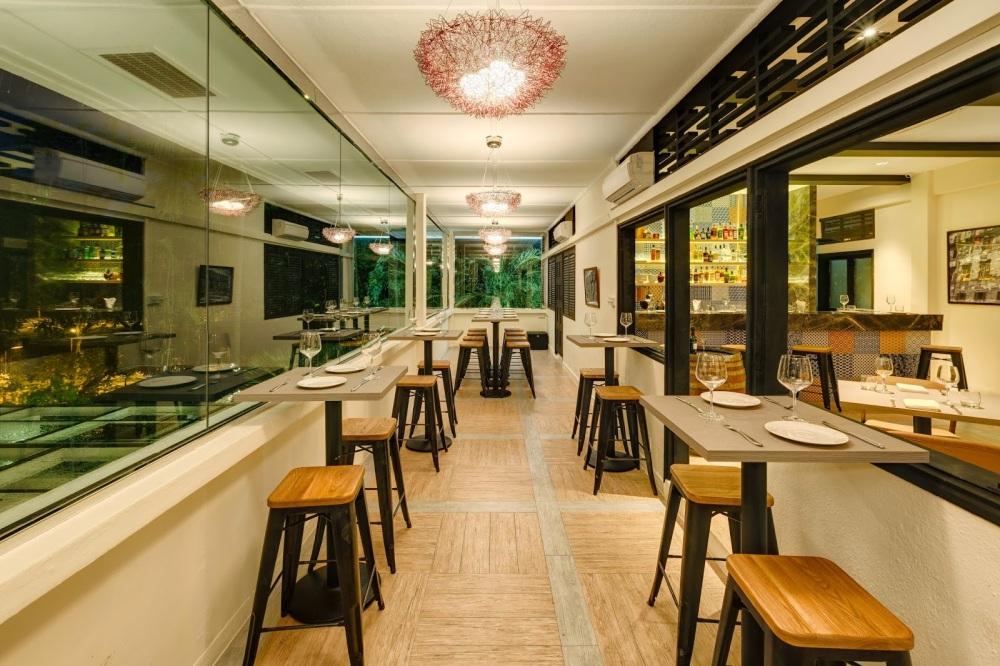 UNA Tapas Bar Corner